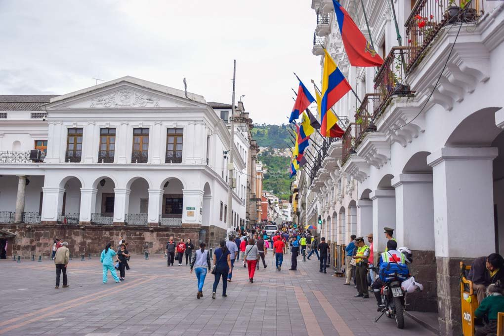 Walking the historic center of Quito on a free walking tour