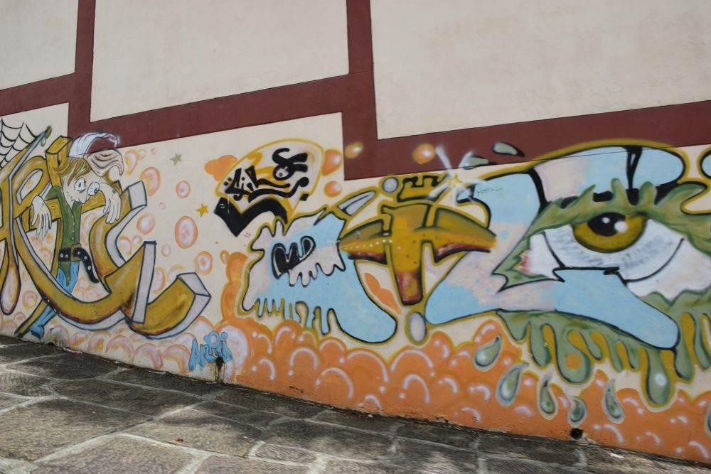 some graffiti in san gil
