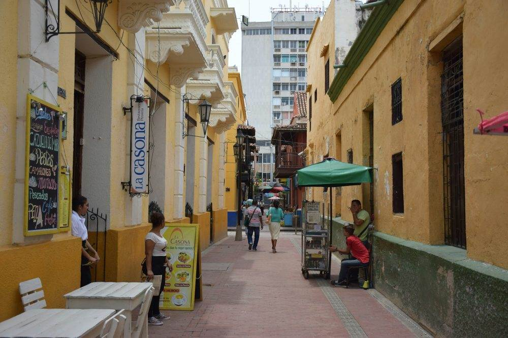Steet vendors in Santa Marta, Colombia