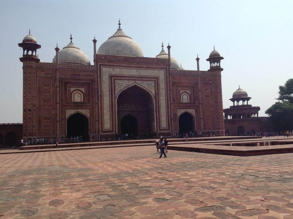 Kolkata to agra to see the architecture