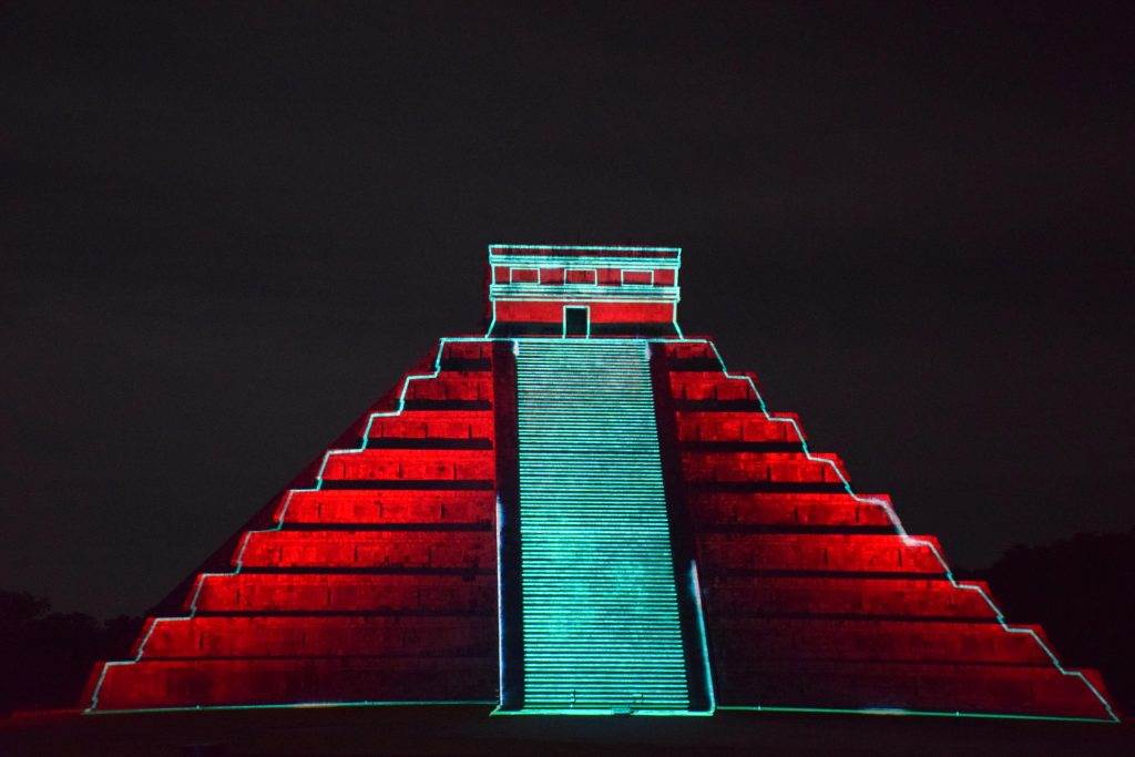 the chichen itza light show