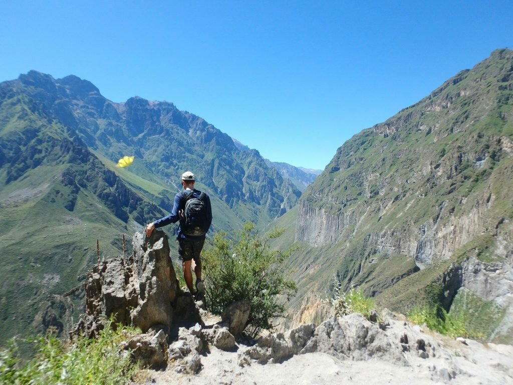 colca canyon hiking in peru