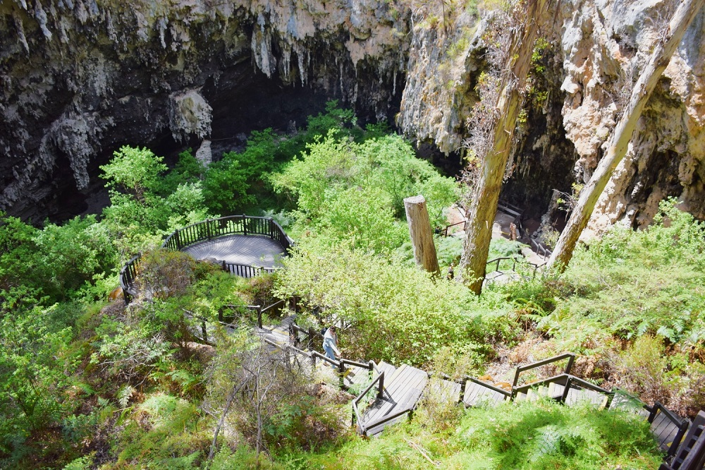 entrance to lake cave in margaret river