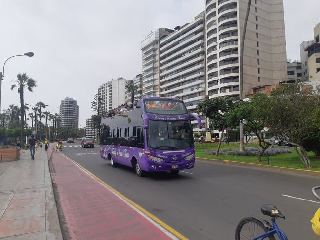 tourist bus in lima peru