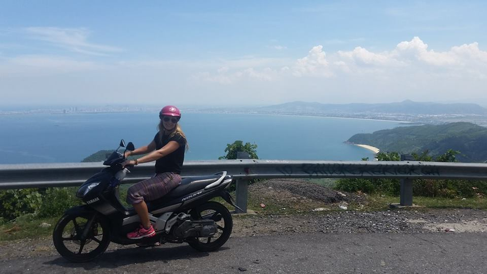 riding the hai van pass