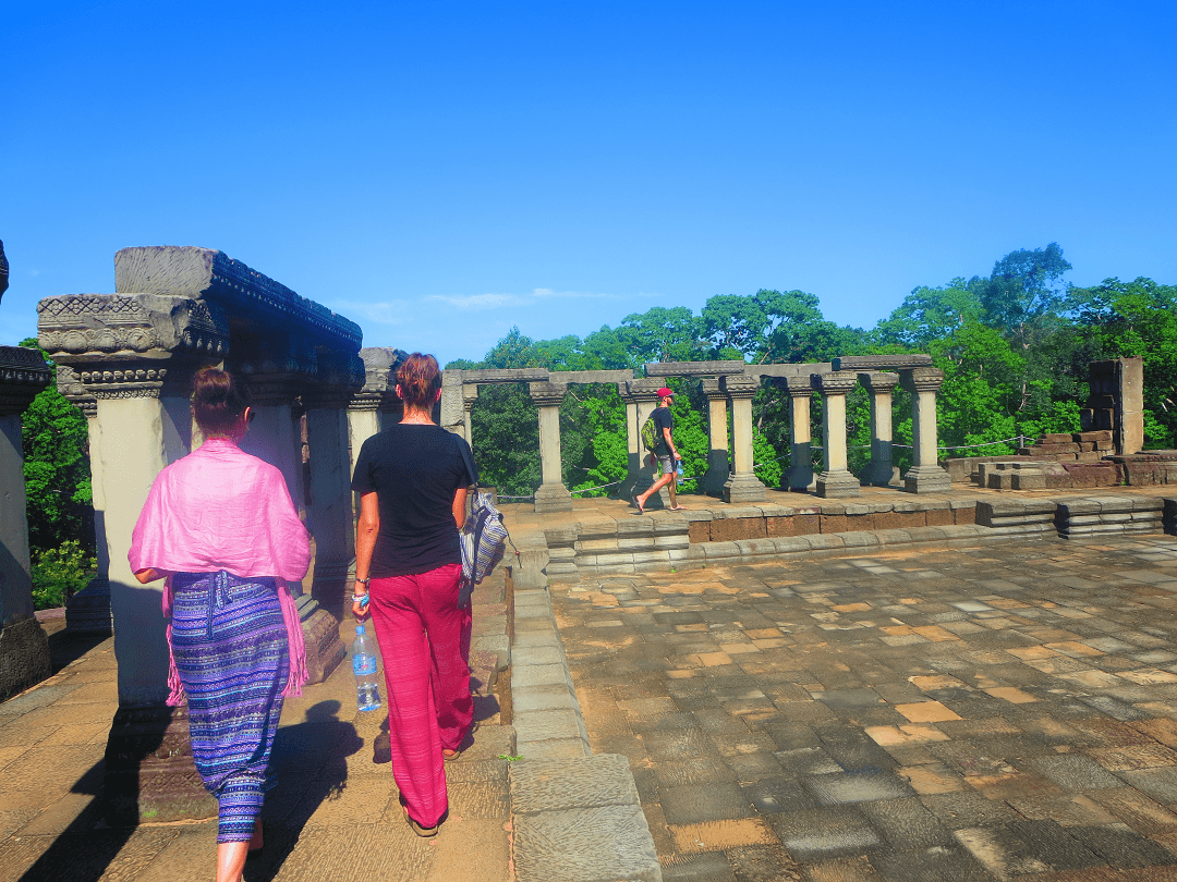exploring angkor wat and nearby ruins