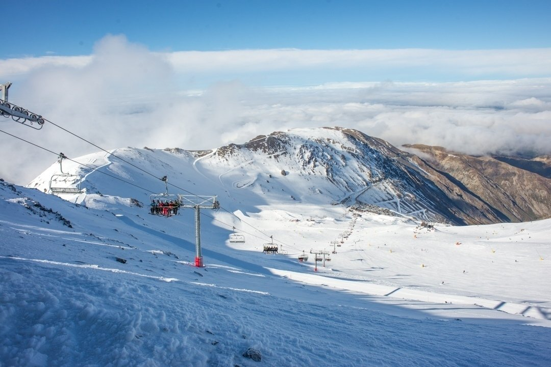 the main chairlift at mt hutt