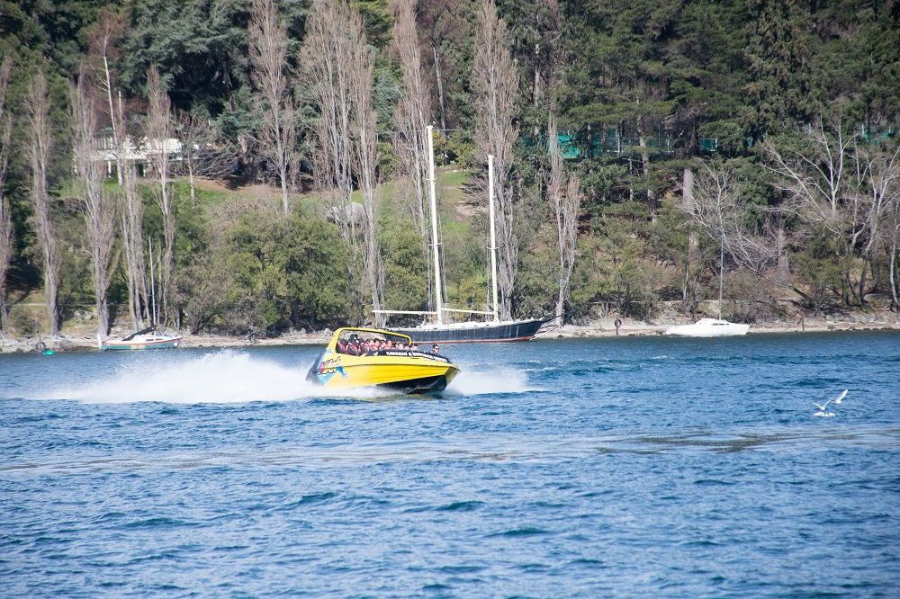 jet boating in Queenstown with kjet
