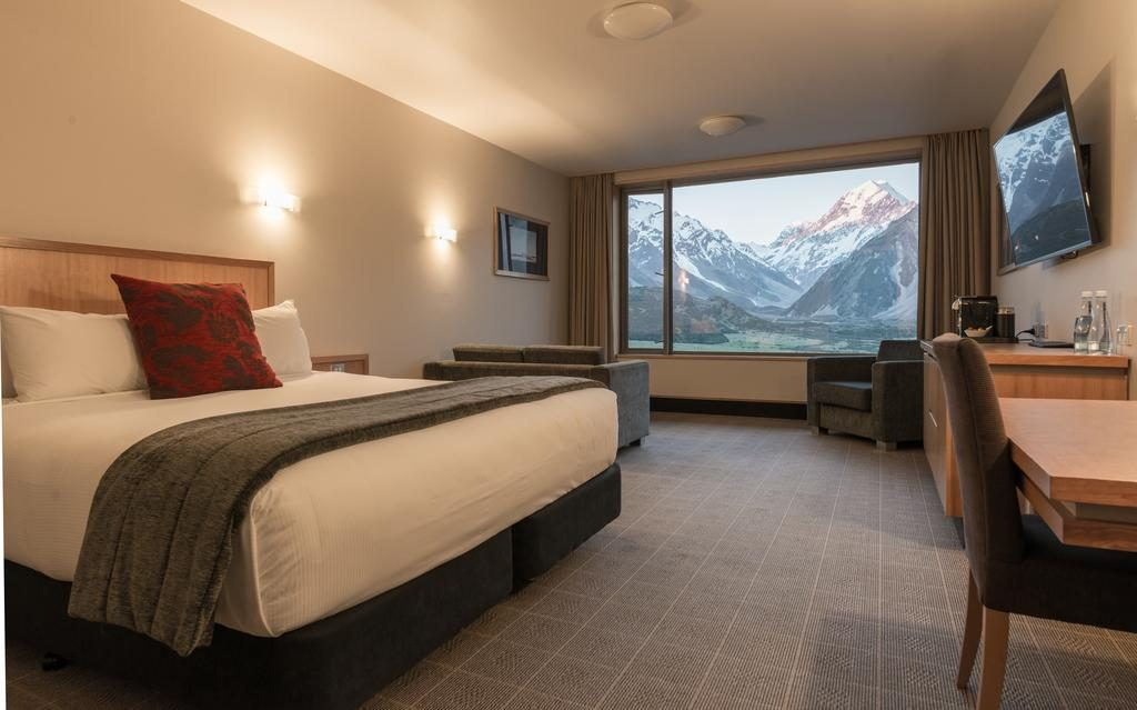 the hermitage hotel in mount cook room