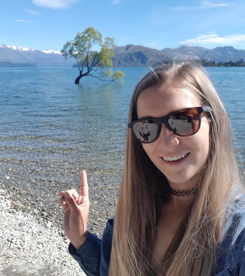 Selfie with the famous Wanaka Tree!
