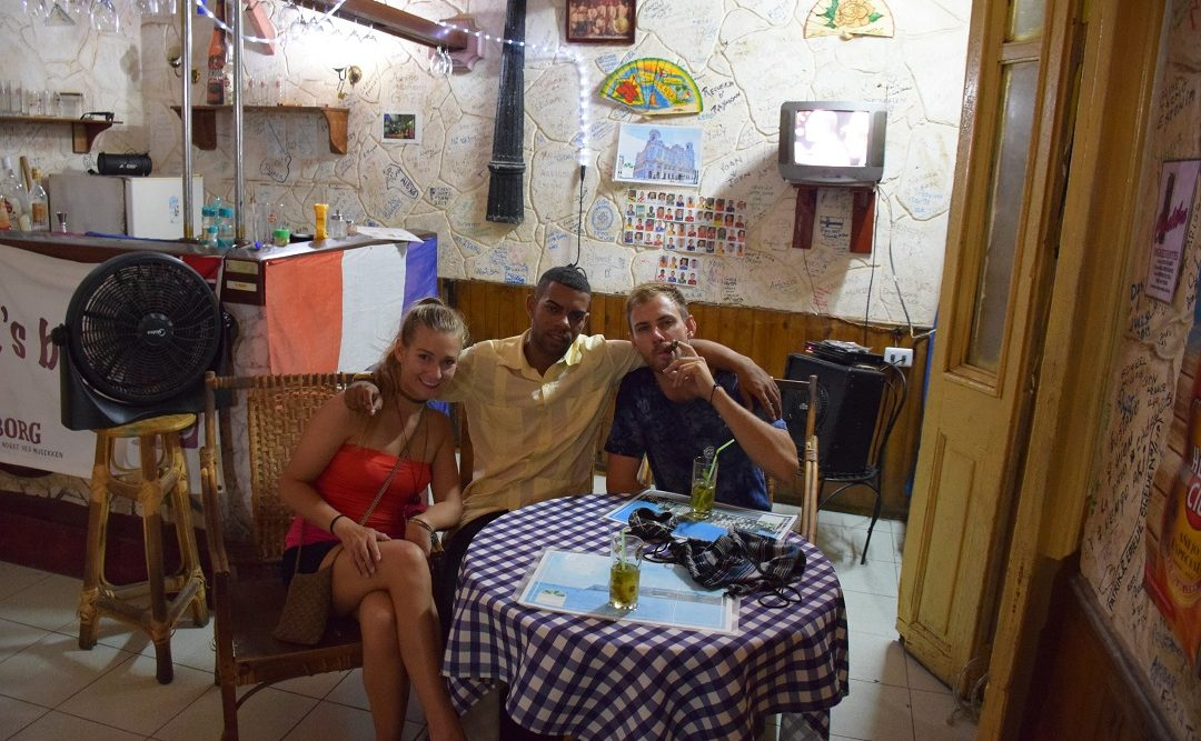 the people in cuba are very friendly and one of the reaosns to visit cuba