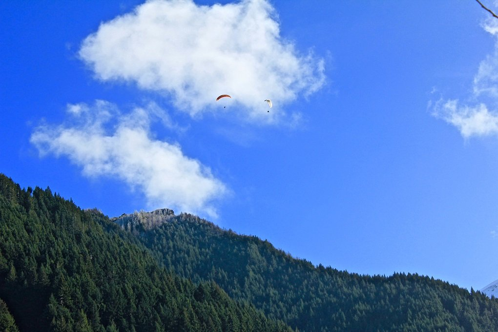 paragliding in queenstown