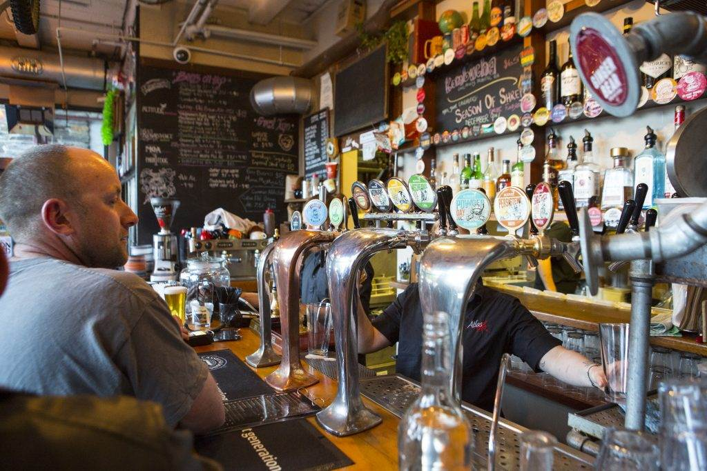 Best things to do in Queenstown includes beer hoping around Queesntown
