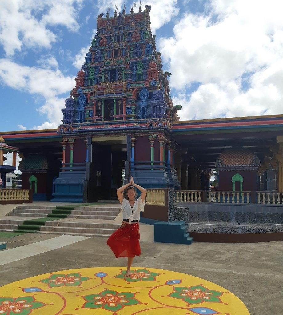 the hindu temple in nadi