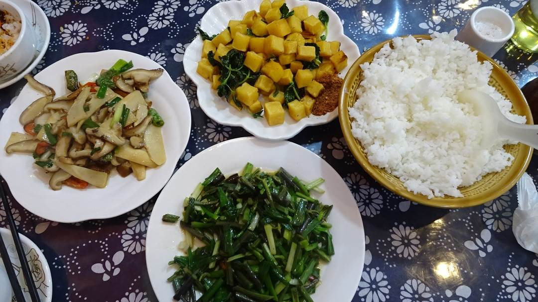 food is onw of the reaons why visit china