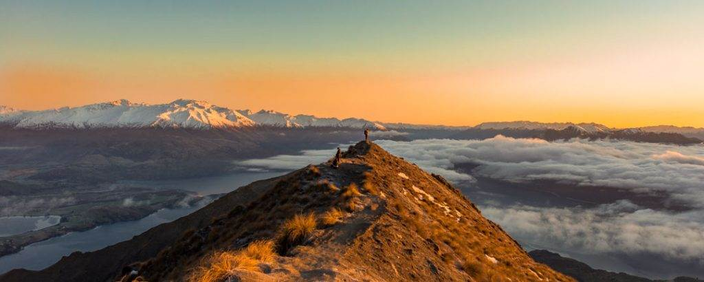 hiking roys peak is the best hike in New Zealand