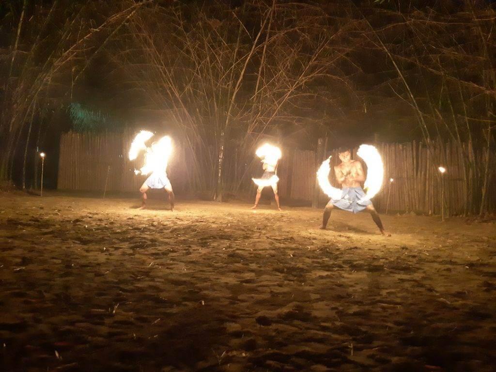 fire dancers at the fiji cultural village