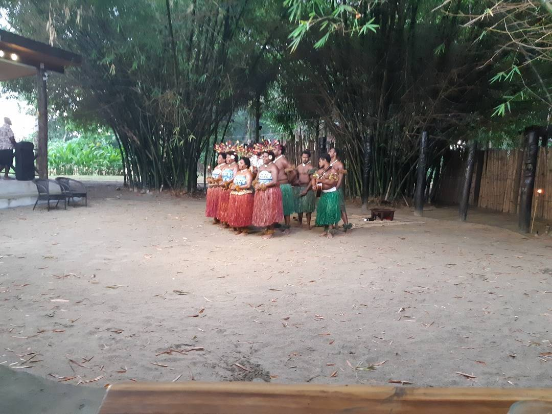fiji culture village dancers