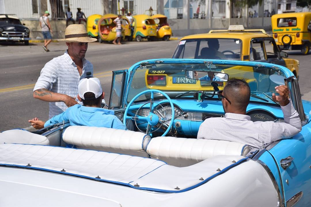 taxi drivers in old havana