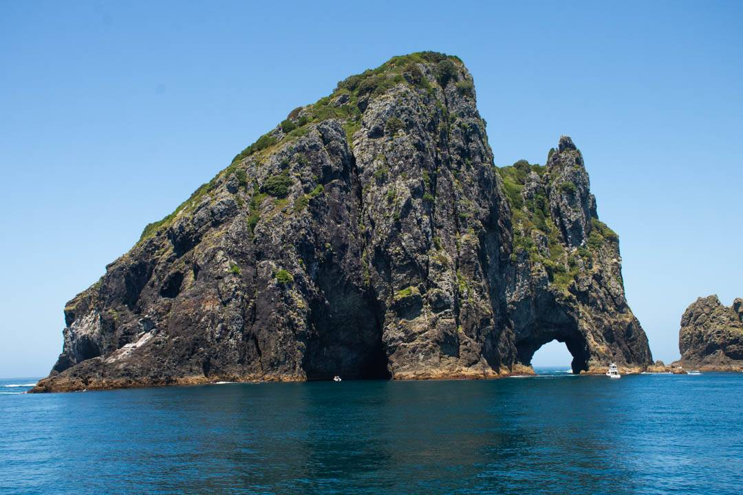 the island with the hole in the rock new zealand
