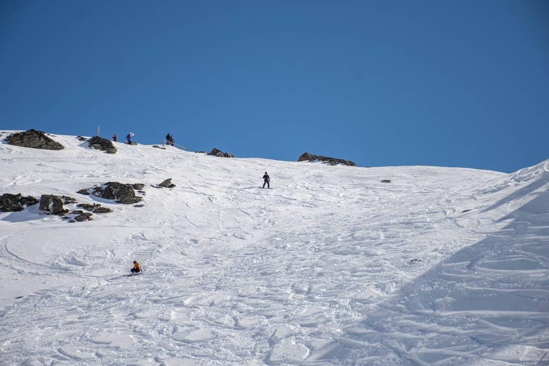 How to Find a Ski Season Job in New Zealand - Smaller Earth UK