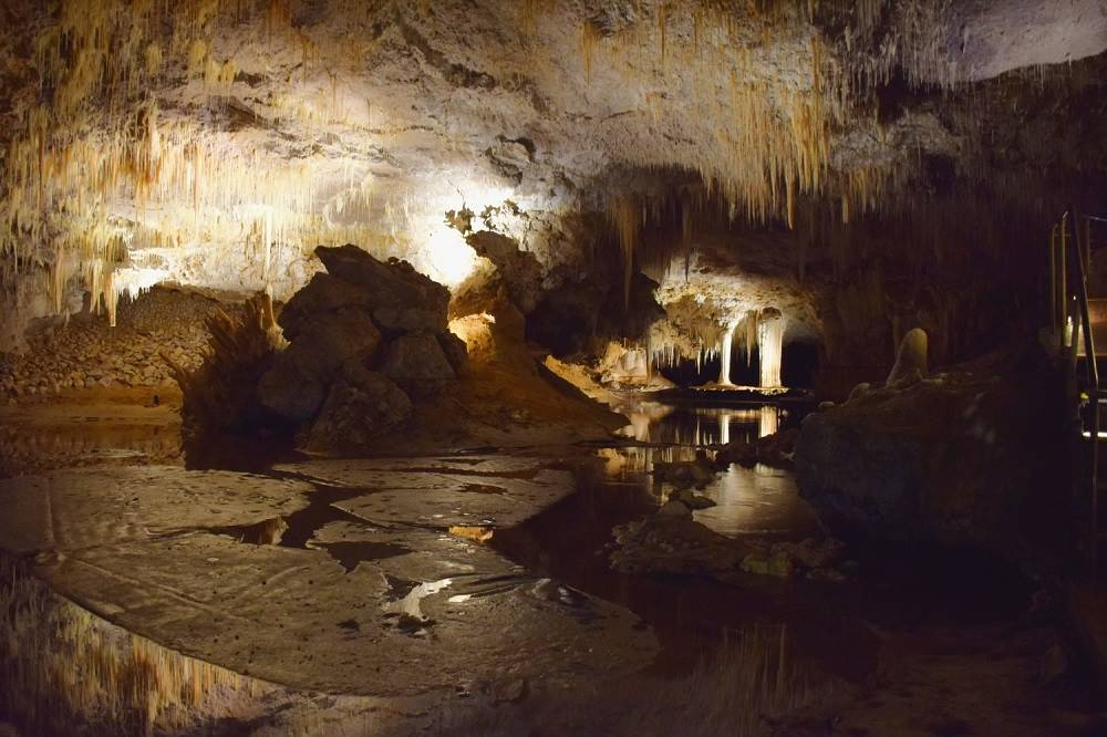 visiting lake cave was my favourite of all the things to do in margaret river