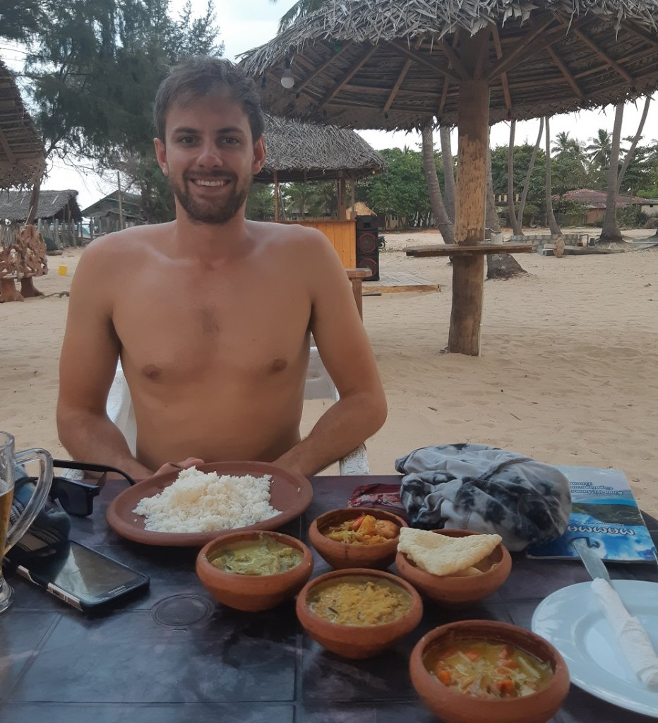 eating curry at Nilaveli Beach