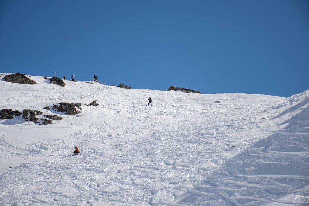 snowboarding in whistler at bloackcomb ski resort