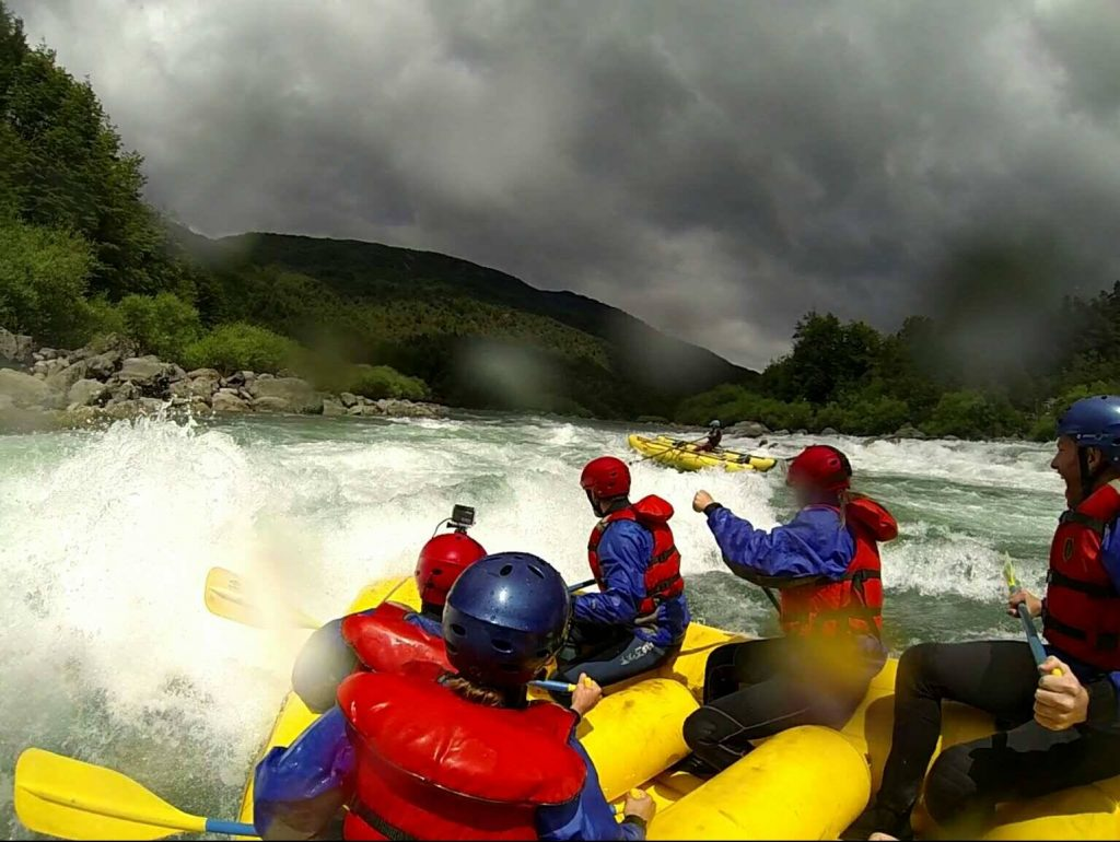 Rafting in the de las Vueltas River Canyon