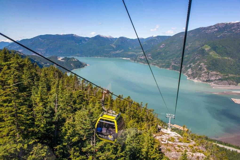 The views on the Sea to Sky Gondola from one o fthe cars half way up the hill