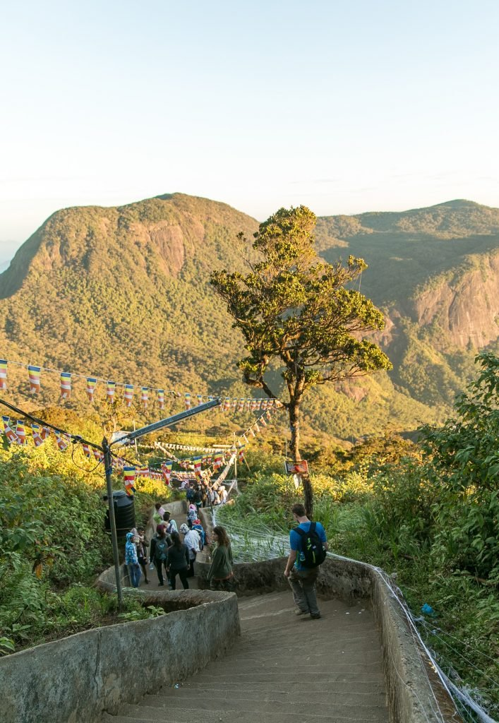 climbing adams peak sri lanka