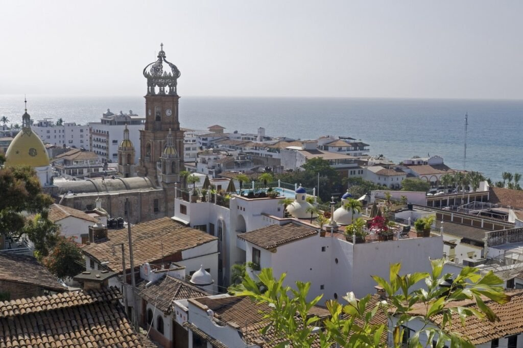 panorama-of-puerto-vallarta-and-the-church-of-gualupe