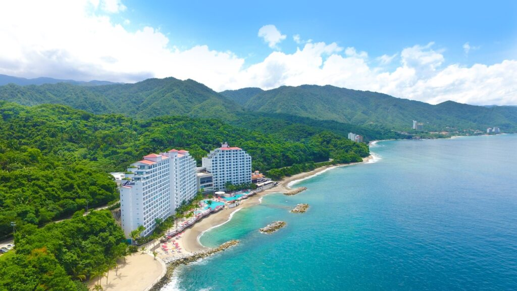 a birds-eye view of the Grand Fiests Americana in Puerto Vallarta