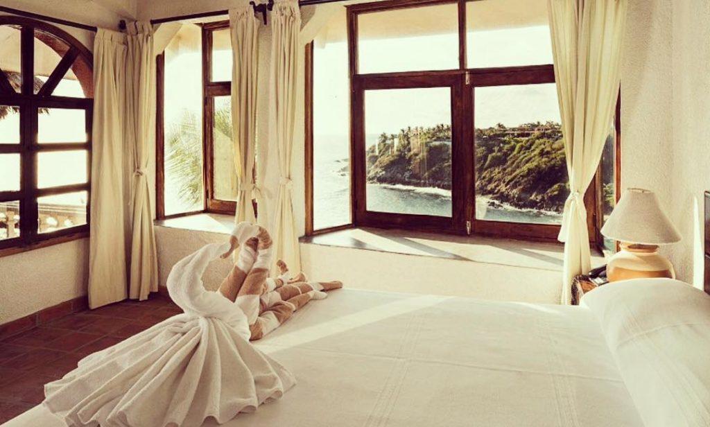 villas carrazillio room with a view in puerto escondido