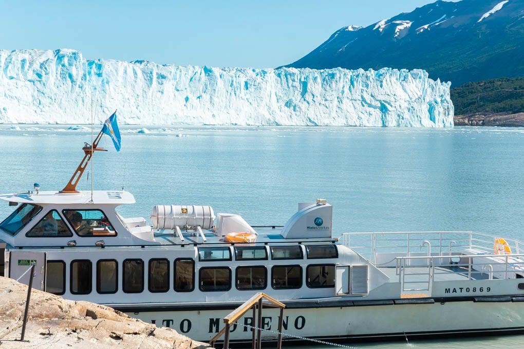the ferry for mini trekking on perito moreno