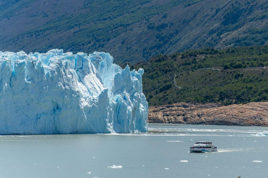 Glacier scenic cruise El Calafate