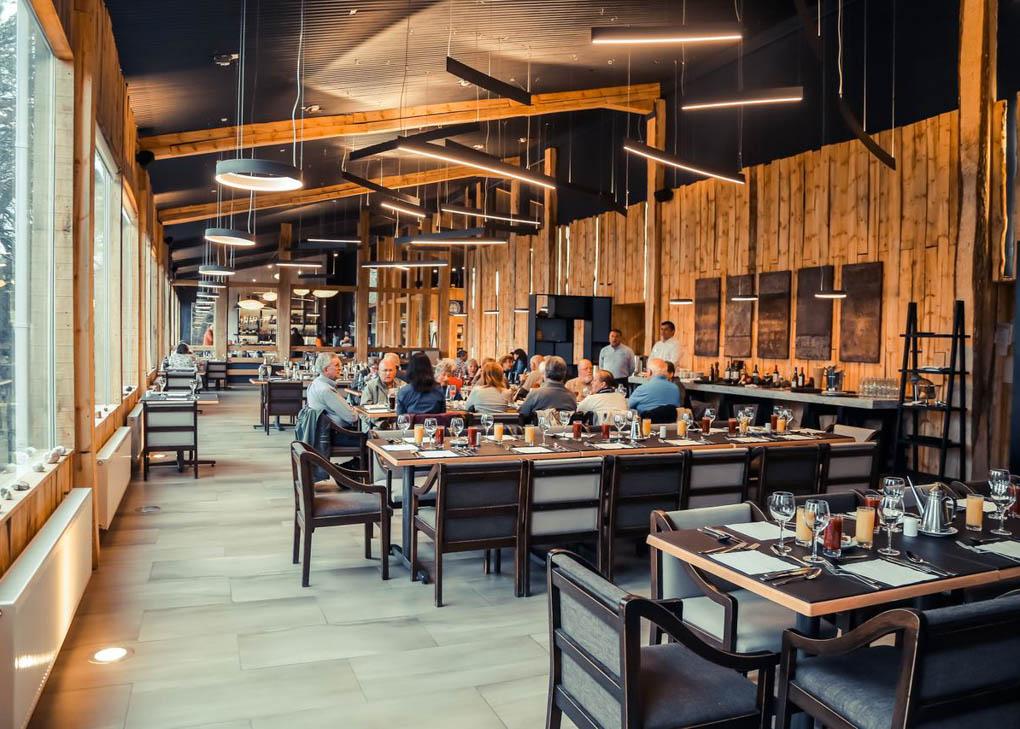 Lago Grey Hotel restaurant