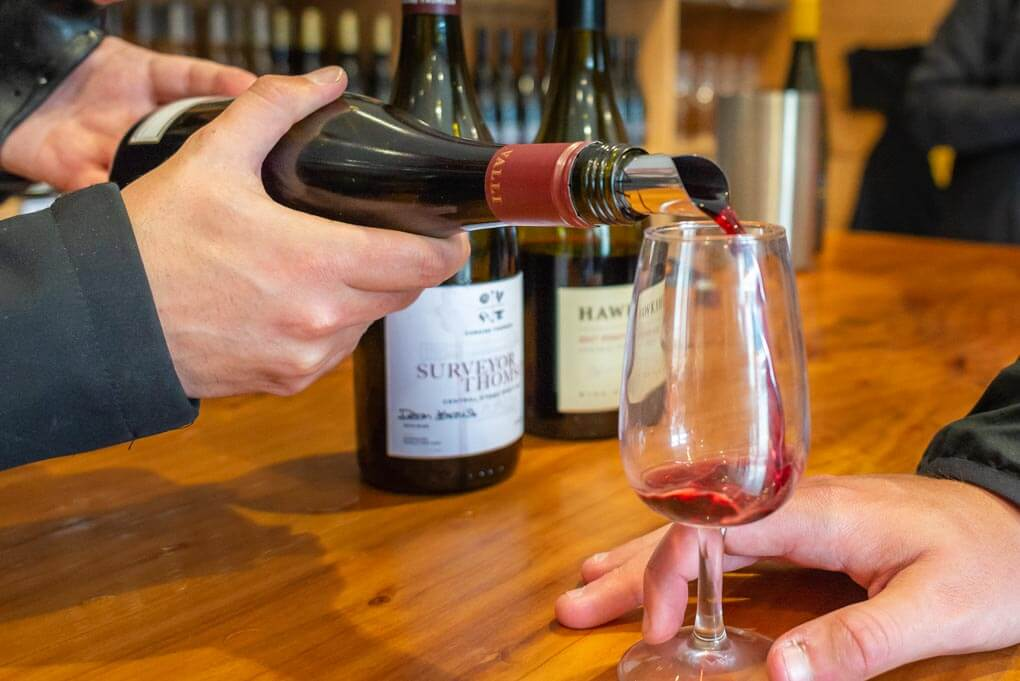 The Best Queenstown Wineries And Picking A Wine Tour!
