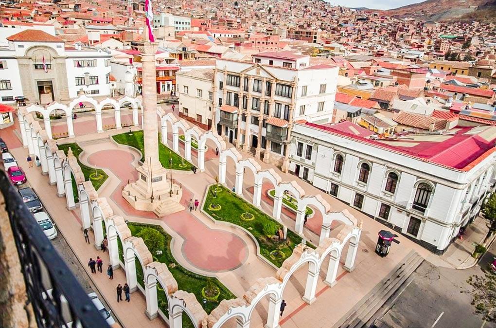 Plaza 10 de Noviembre in Potosi from above