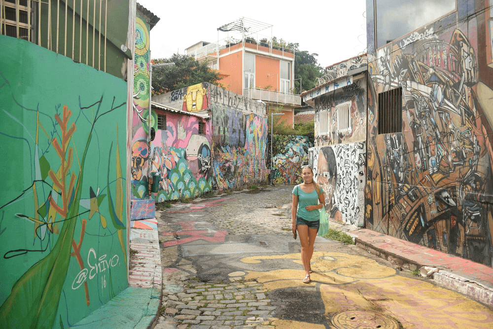 walking-in-batman-ally, Sao Paulo