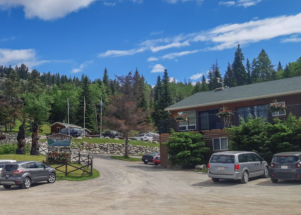 The front of the Pyramid Lake Resort in Jasper