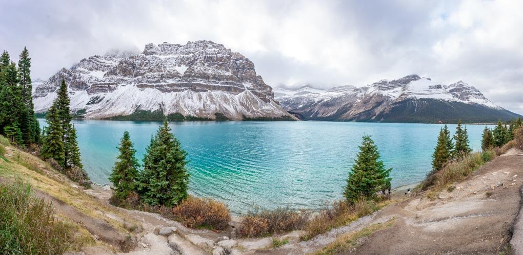 A panoramic view of the Bow Lake on the Icefields Parkway