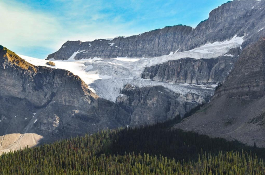 Crowfoot Glacier Viewpoint on the Icefields Parkway in Canada
