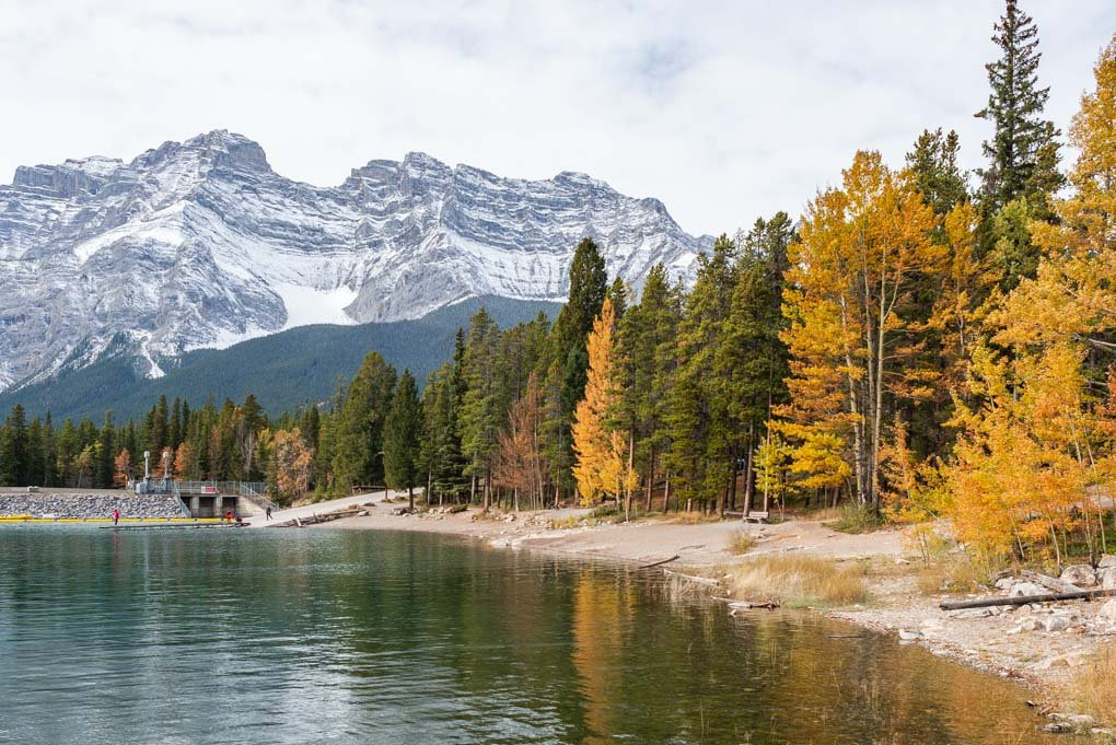 A calm day at Lake Minnewanka during fall