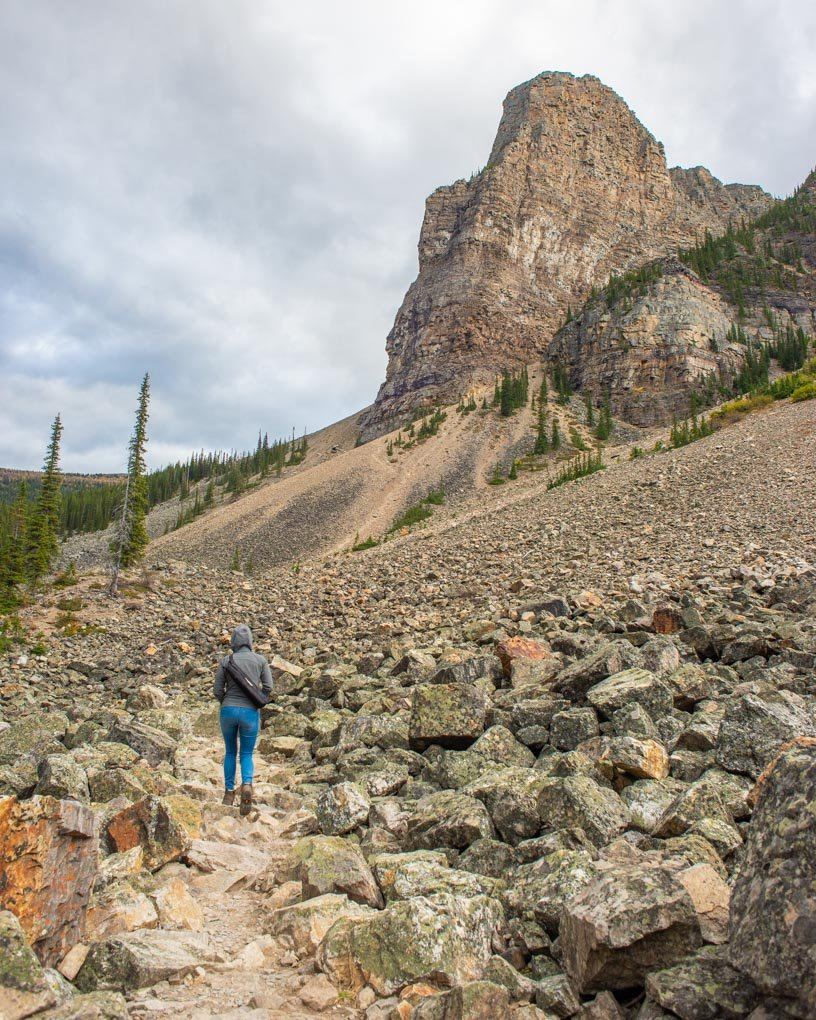 The start of the Consolation Lakes Trail