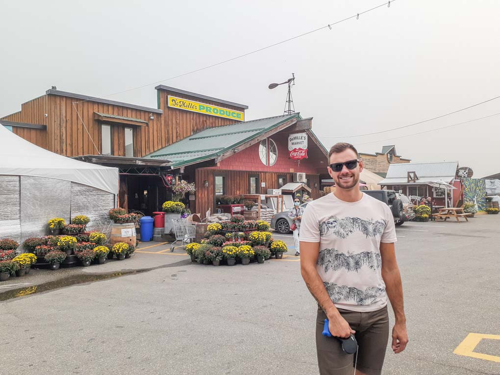 A man at DeMille's Farm Market, Salmon Arm