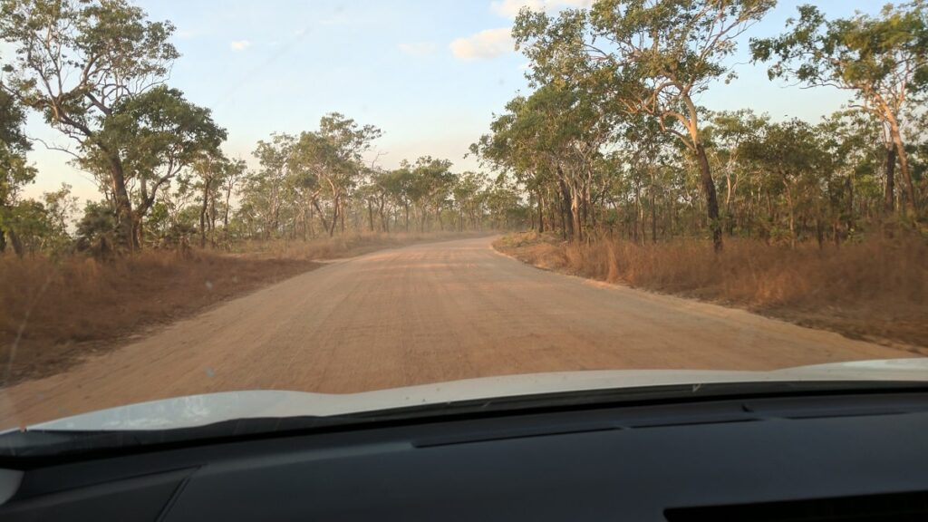 4wd track that goes from Litchfield back to Darwin