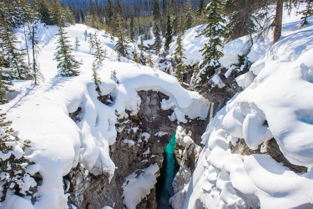 Emerald Lake in winter is so beautiful!