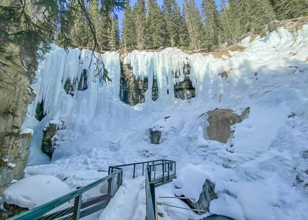 Views of the upper falls on the Johnston Canyon Ice Walk