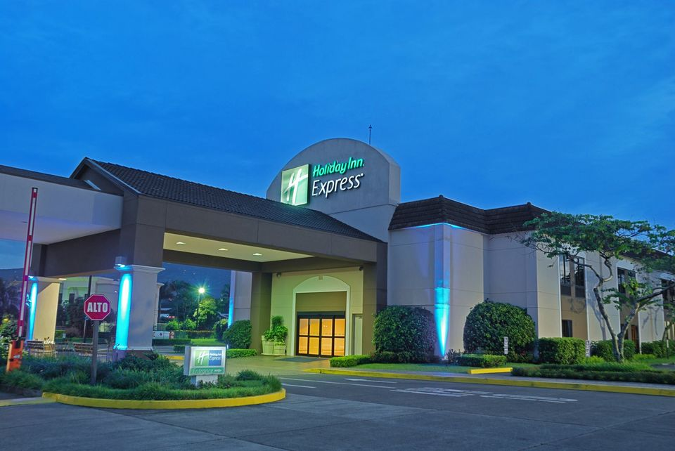 the outside of the Holiday Inn Express hotel in San Jose, Costa Rica
